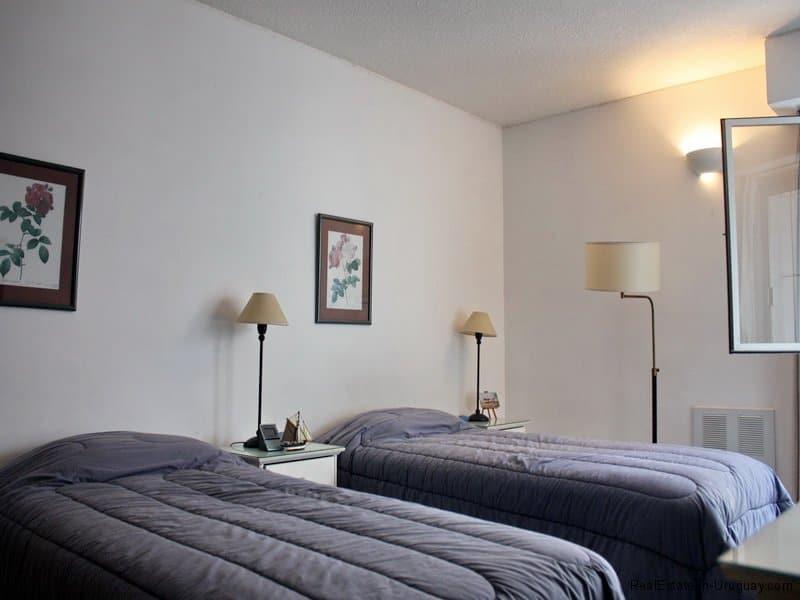 5385-Guestroom-of-Condo-Harbor-Punta-del-Este-