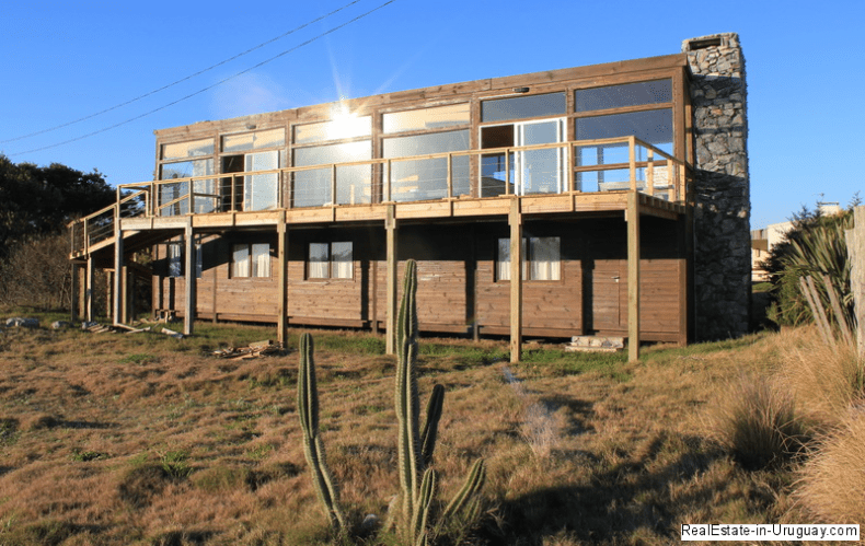 5668-Back-of-Wood-Beach-House-La-Juanita