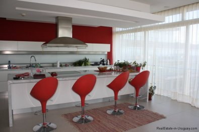 5737-Kitchen-of-Large-Penthouse-on-Brava