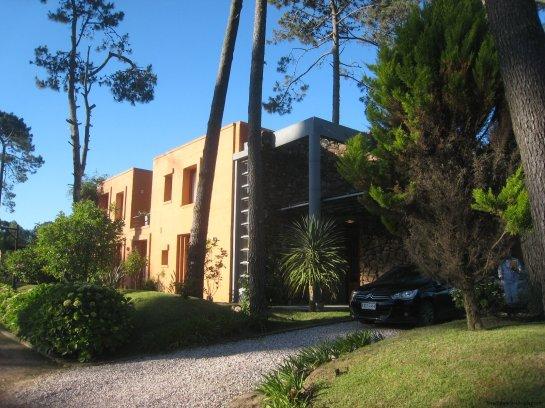 5740-Driveway-of-Stone-House-La-Arbolada