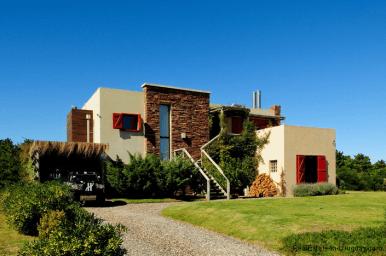 5144-Modern-Pool-House-Jose-Ignacio-Front-of-House