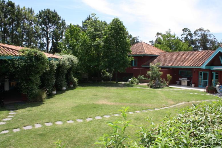 5721-Home-in-Beverly-Hills-Punta-del-Este-Back-of-House