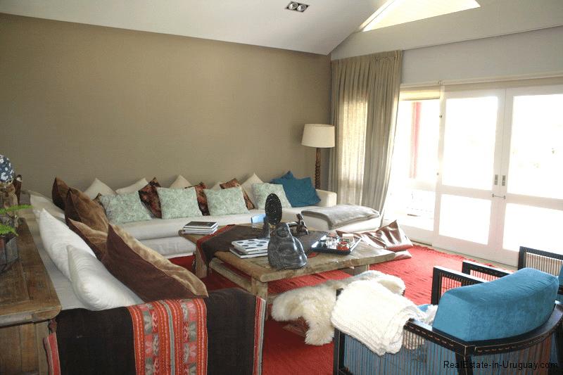 5721-Home-in-Beverly-Hills-Punta-del-Este-Living-Room2