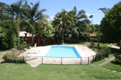 5721-Home-in-Beverly-Hills-Punta-del-Este-Pool