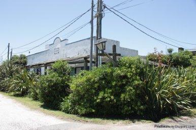 5726-Front-of-House-in-Jose-Ignacio-Village