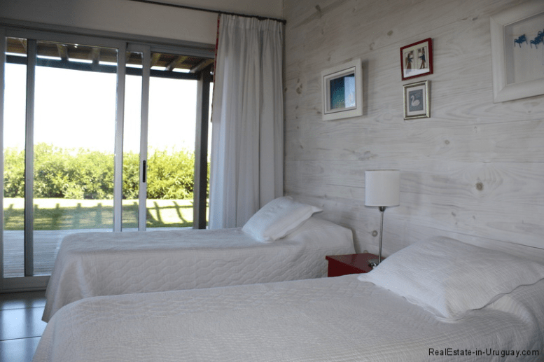 5774-Beach-House-close-to-Jose-Ignacio-Guest-Bedroom