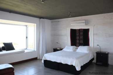 5774-Beach-House-close-to-Jose-Ignacio-Master-Bedroom