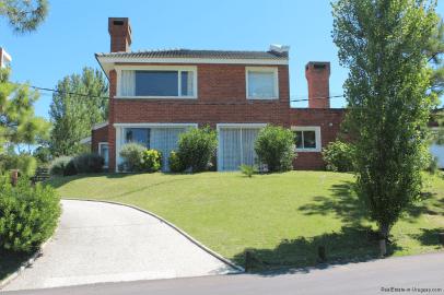 5785-Home-Mansa-Side-Punta-del-Este-Front-of-House