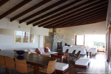 Large Home in Club del Mar - Living and Dining area