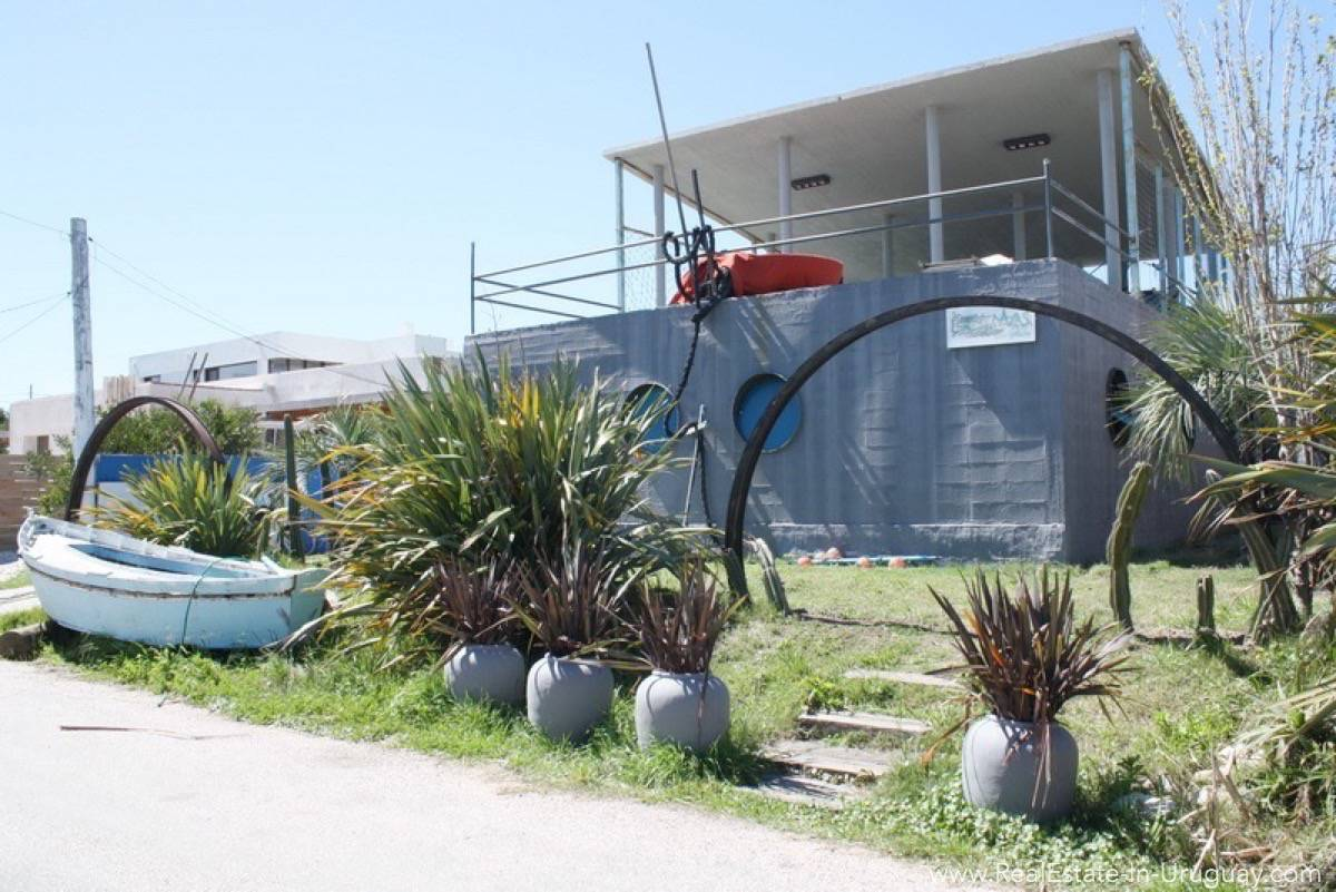 Modern House in Jose Ignacio Town - Front of House
