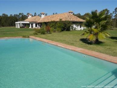 Estancia on 397HA Land House with Pool