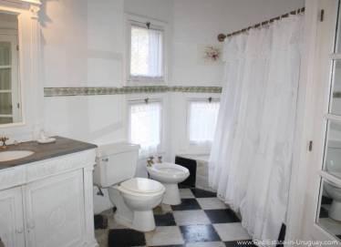 Romantic House in La Bara Bathroom