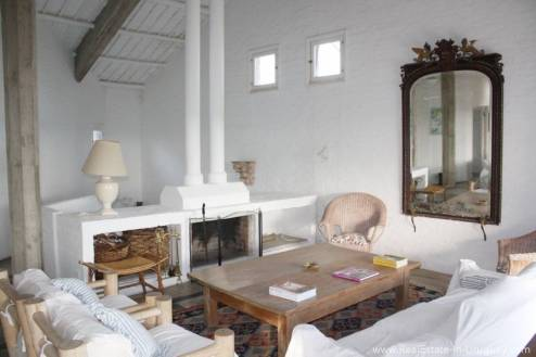 Romantic House in La BaraLiving Room