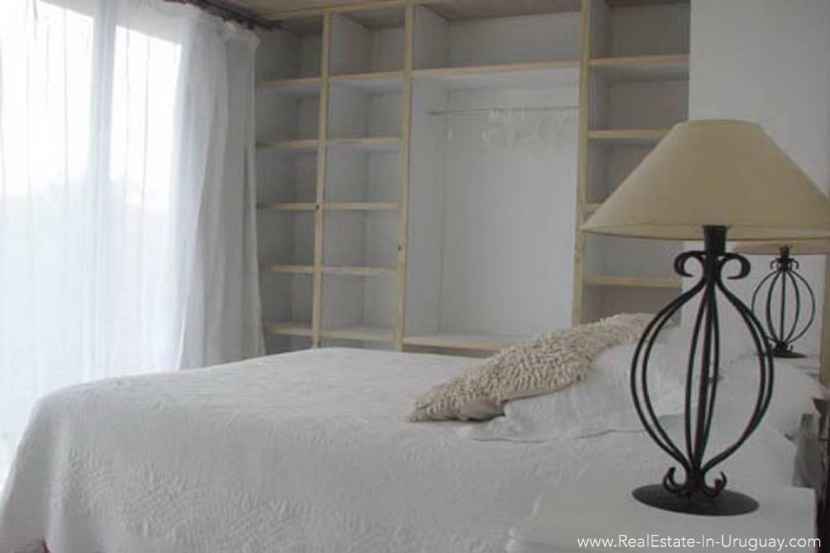 Modern Beach House Club del Mar - Master Bedroom