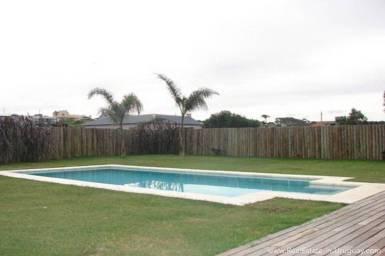 Modern Beach House Club del Mar - Pool