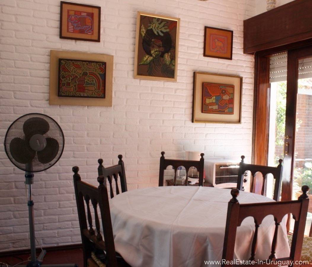 Bungalow on Mansa - Dining Area