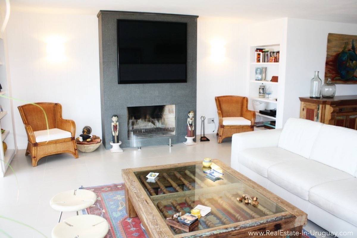 Ocean Front Apartment - Fireplace