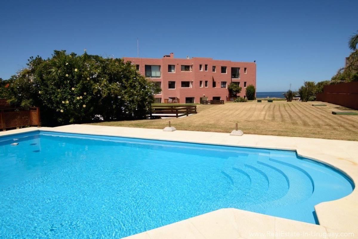 Ocean Front Apartment - Pool