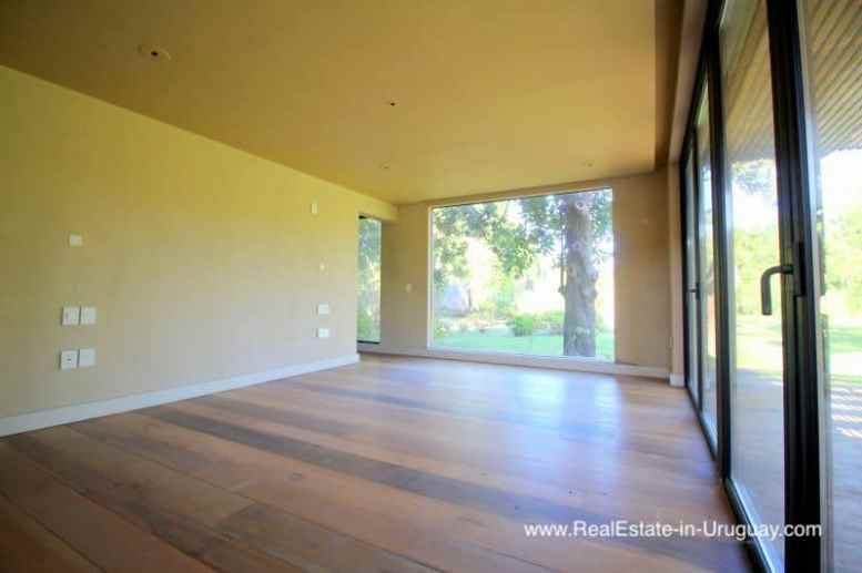 Elegant Home with large Garden in Carrasco Montevideo