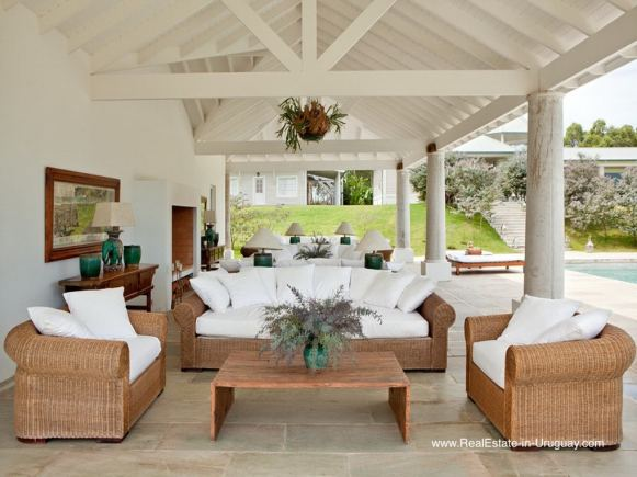 Unique Country Style Ranch by Golf Course La Barra