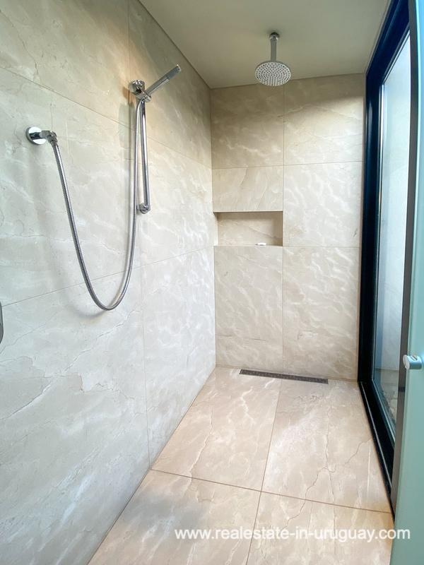 Shower of Las Carcavas