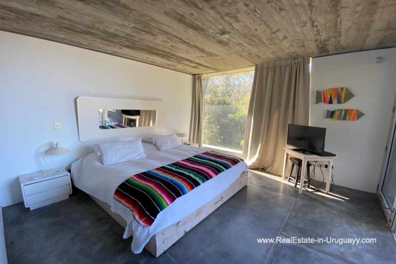 5998 Modern Home with Lagoon Views in Santa Monica near Jose Ignacio - Guestbedroom