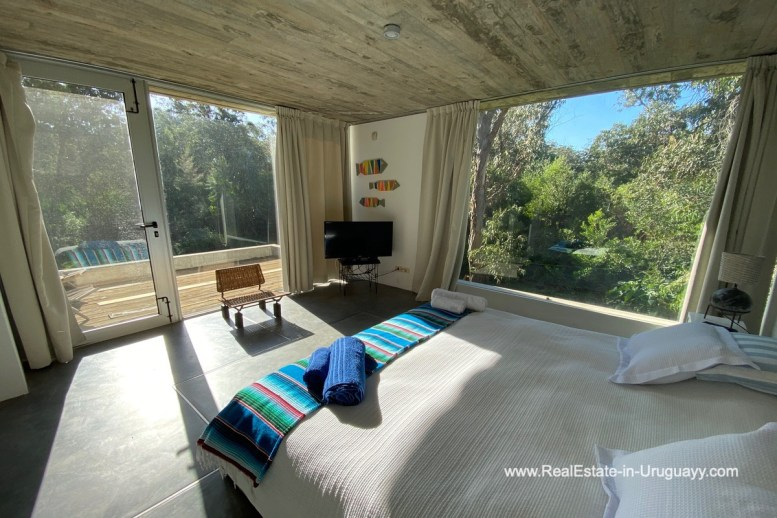 5998 Modern Home with Lagoon Views in Santa Monica near Jose Ignacio - Masterbedroom and View