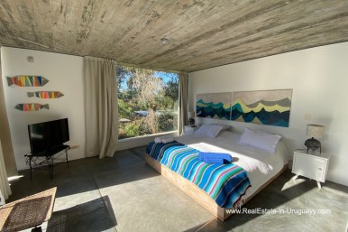 5998 Modern Home with Lagoon Views in Santa Monica near Jose Ignacio - Masterbedroom