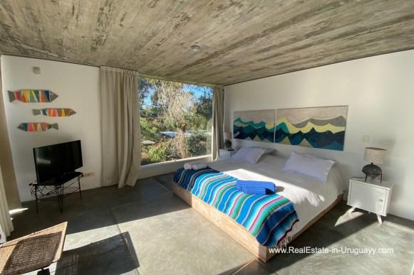 5998 Modern Home with Lagoon Views in Santa Monica near Jose Ignacio - Masterbedroom