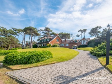 Driveway of Magnificent House in El Golf in Punta del Este