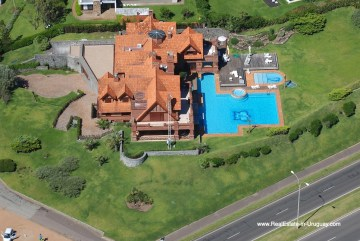 Pool of Frontline Estate on the Mansa Beach in Punta del Este