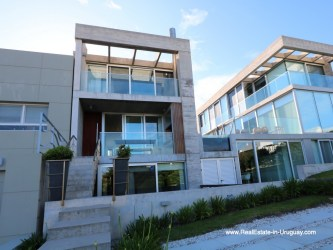 Front of Beach Townhouse in La Barra by the Ocean