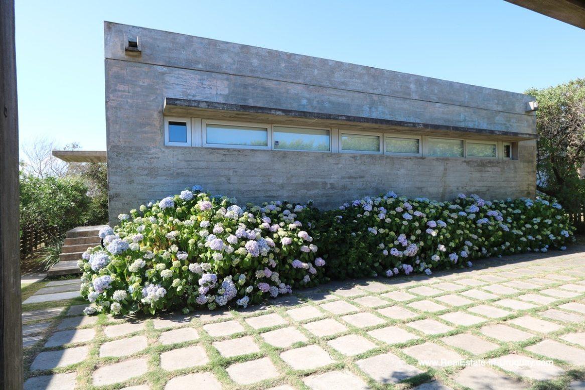 Back side of Modern Home in Santa Monica near Jose Ignacio on the Lagoon