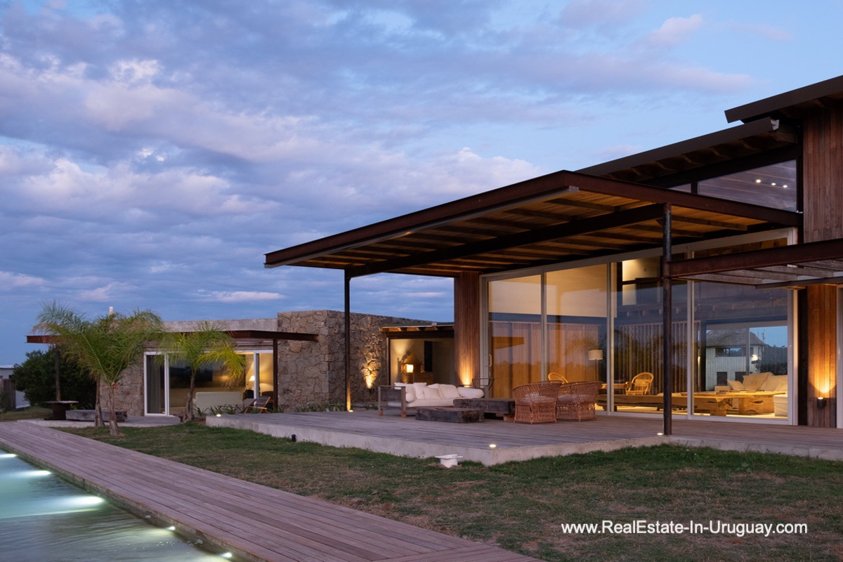 New Modern Countrystyle Home in Pueblo Mio behind Manantiales