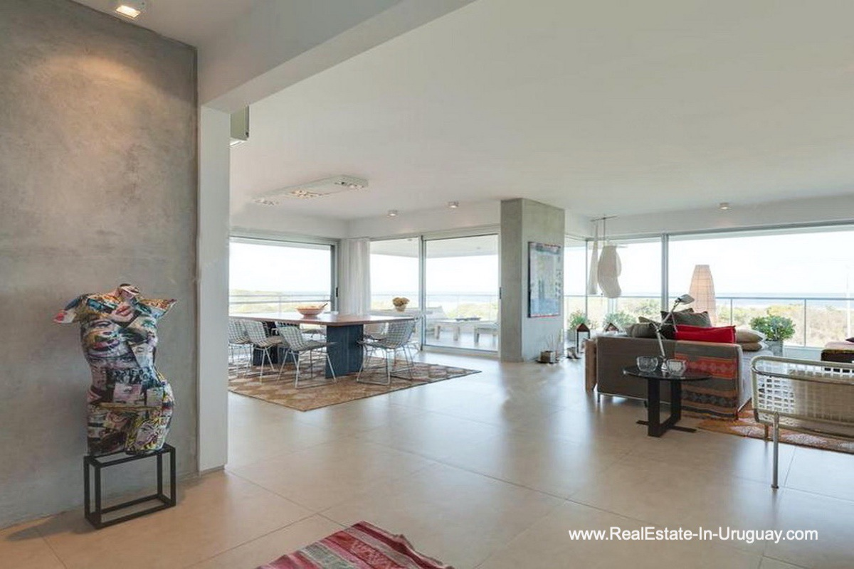 Entrance of Apartment opposite the Ocean in Punta del Este