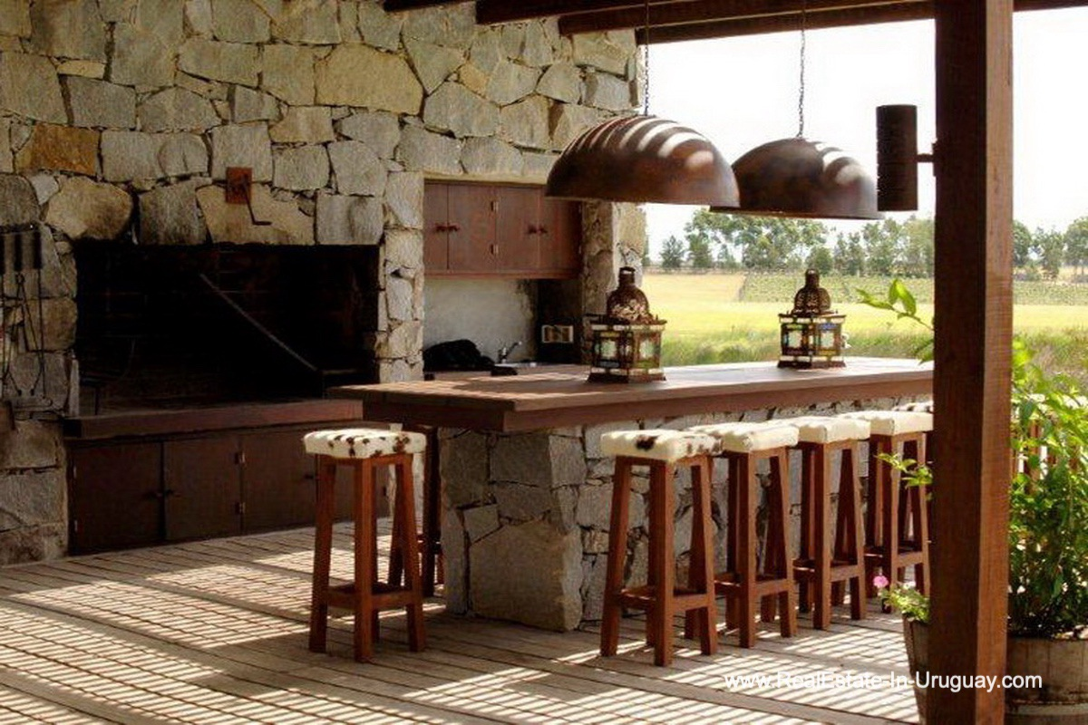 BBQ of Wonderful Ranch with a Vineyard behind La Barra and Manantiales
