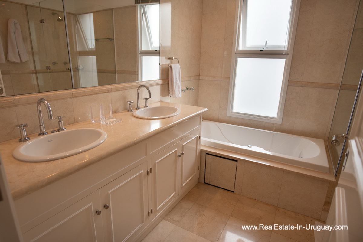 Master Bathroom of Spacious Apartment on the Brava in Punta del Este