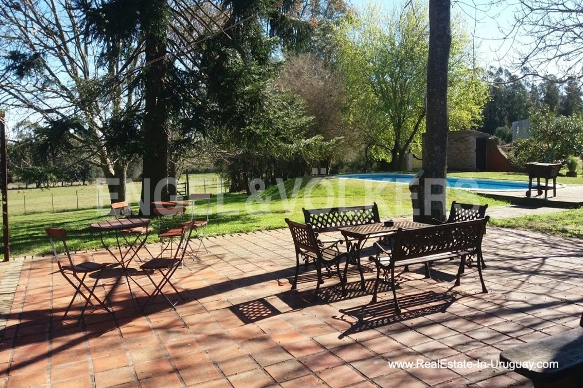 Patio of Farm with Organic Garden near Wineries in Canelones
