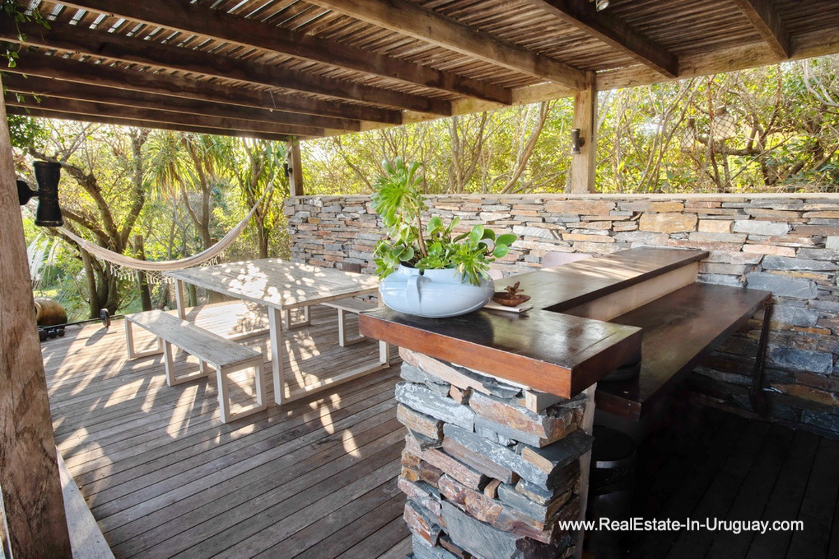 Bar of House on a Double Lot with Sea Views in Punta Ballena