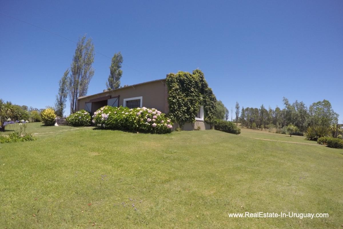 Main House of Charming-Farm-between-Ruta-104-and-Santa-Monica-Entrance