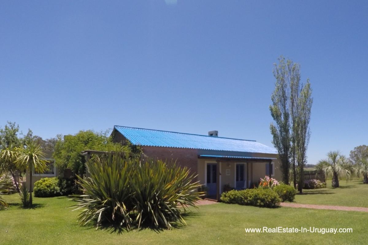 House of Charming-Farm-between-Ruta-104-and-Santa-Monica-Entrance