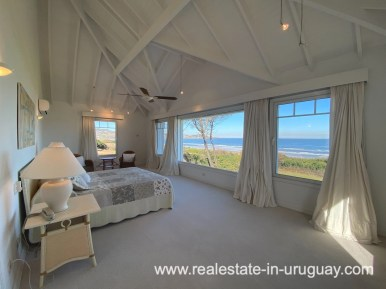 Mastersuite Large Oceanfront Villa in Punta Ballena