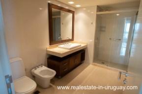 Bathroom of Modern Large Penthouse on the Mansa in Punta del Este