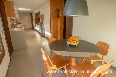 Eating Area of Modern and Style combined with Country Views in Pueblo Mio by Manantiales