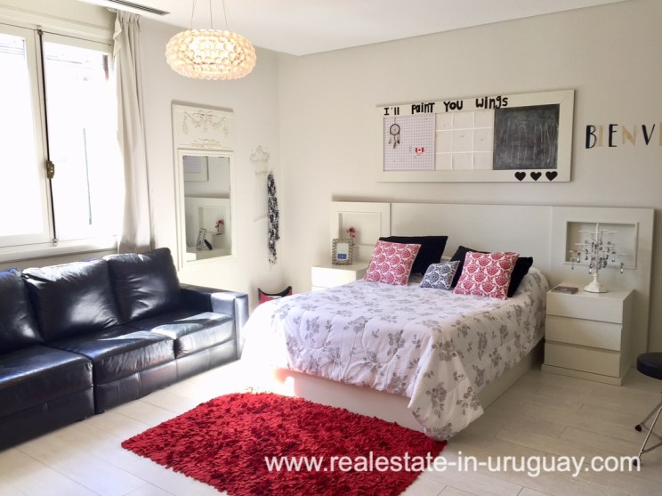 6707 Spacious Family Home on the Mansa in Punta del Este - Master Bedroom