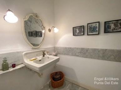 4925 Italian Villa in EL Golf Punta del Este - Guest Toilet