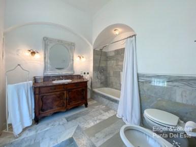 4925 Italian Villa in EL Golf Punta del Este - Guest bathroom