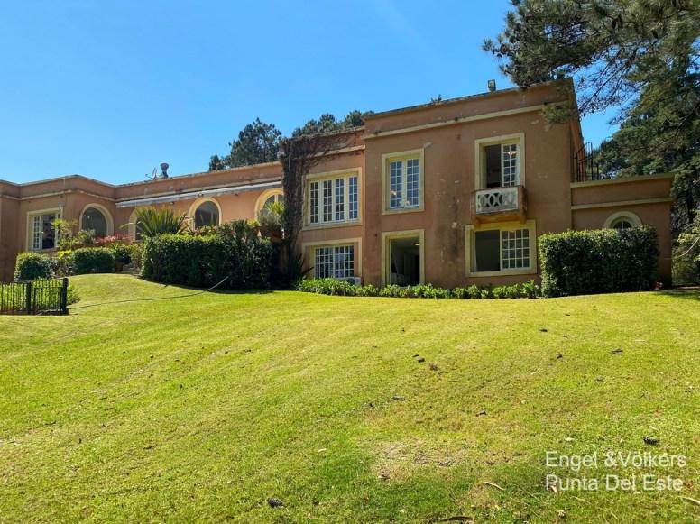 4925 Italian Villa in EL Golf Punta del Este - House back