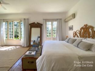 4925 Italian Villa in EL Golf Punta del Este - Master Bedroom