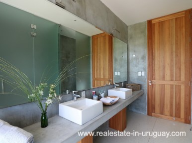 Master Bathroom of Modern American Style in El Quijote
